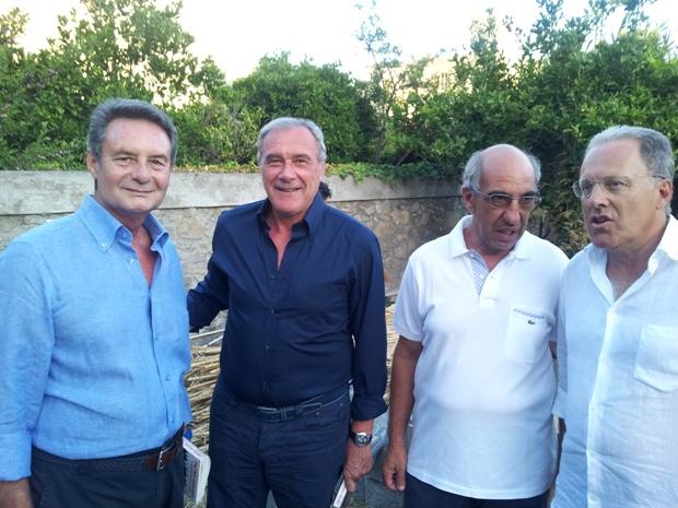 Il presidente Grasso in una foto di qualche anno fa a Lipari, nuovamente nell'isola per la presentazione del suo libro