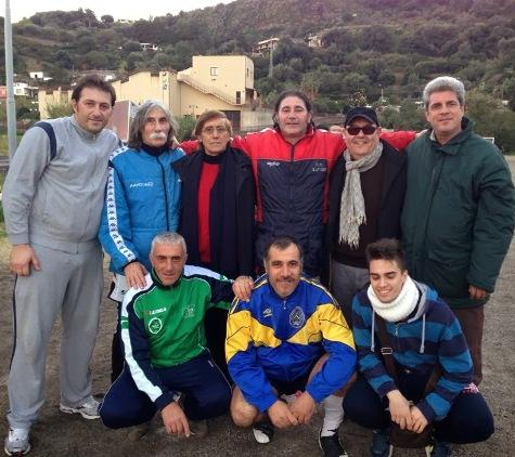 Bartolo Merrina (terzo da sinistra) con Riganò, Barrica, Li Donni, Natoli, Marino, Tripi e il nipote.