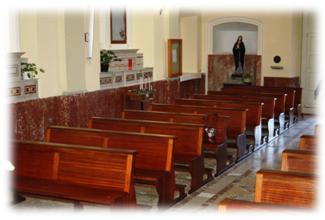 banchi chiesa