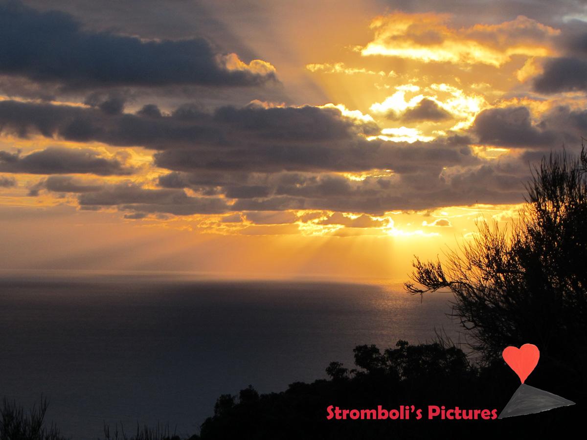 Alba-paradisiaca-Stromboli