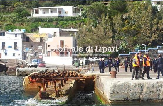 Il porto di Filicudi