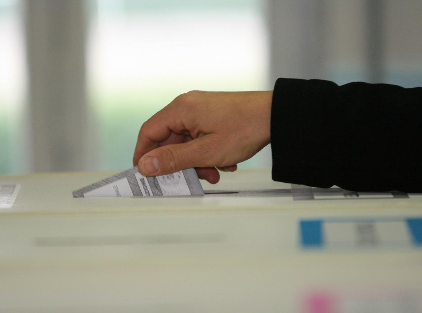 elezioni-maltempo-indecisi-brogli