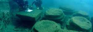 resti edell'antico porto Sottomonastero