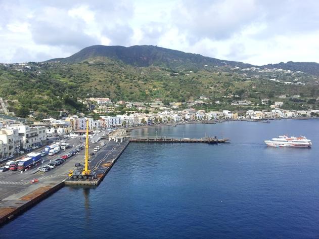 Il porto di Sottomonastero