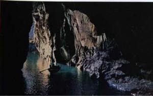 La grotta del cavallo a Vulcano