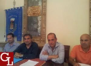 da sin. il dirigente Ficarra, il vicesindaco Orto, il sindaco Giorgianni e il capo area Meduri