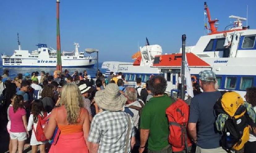 L'Italia invita il popolo della notte ad andare all'estero, il target per le Eolie