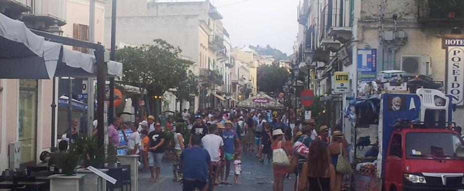 Lipari : turista smarrisce il portafogli, glielo riconsegnano i Carabinieri con tutto il denaro e i documenti