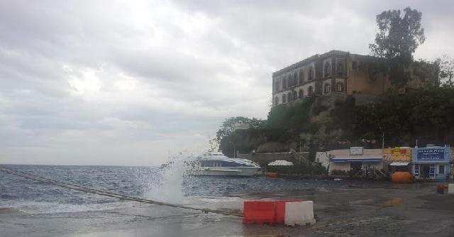 Attracchi e partenze da Punta Scaliddi