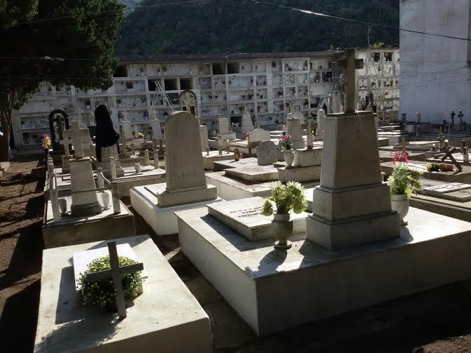Cimitero Canneto : dalla cappella di famiglia rubato per la seconda volta un armadietto
