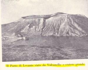 Il porto di Ponente visto da Vulcanello