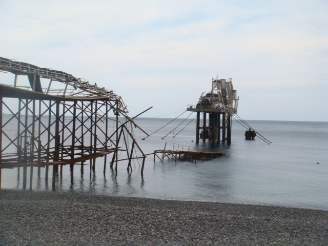 il pontile Italpomice dopo le mareggiate del 22 novembre 2008