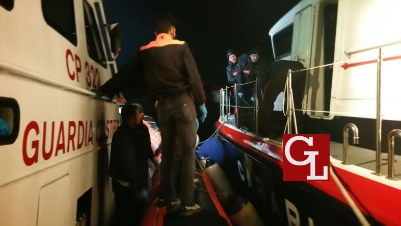 guardia costiera e carabinieri recuperano uno dei due corpi