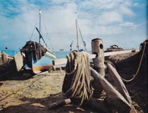 da SICILE ILES LIPARI di Tomas Micek 1977- sula spiaggia di Filicudi