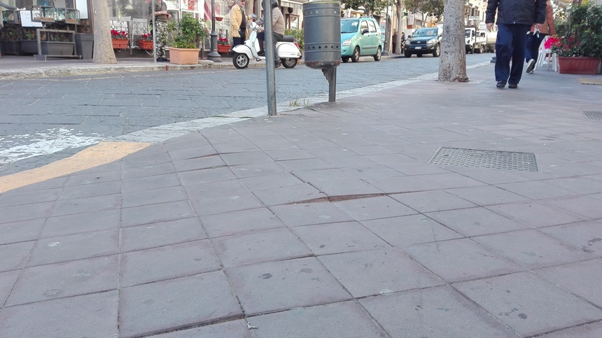 marciapiedi trappola