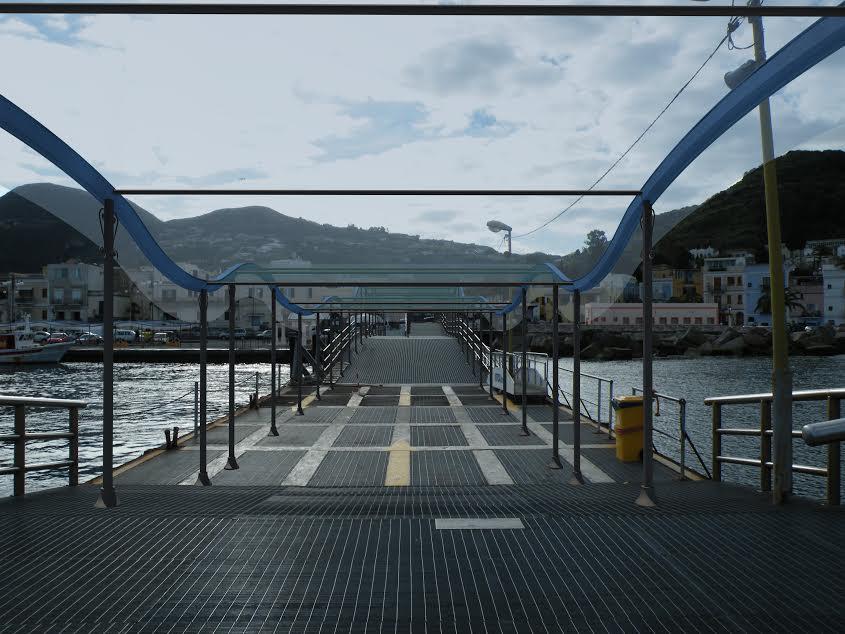 la copertura del pontile progettata dall'ing. Merlino