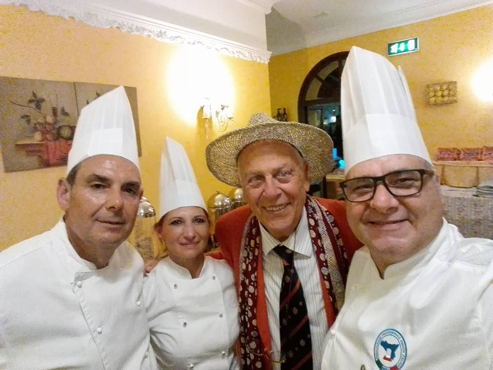 Aldo Palmieri con alcuni chef