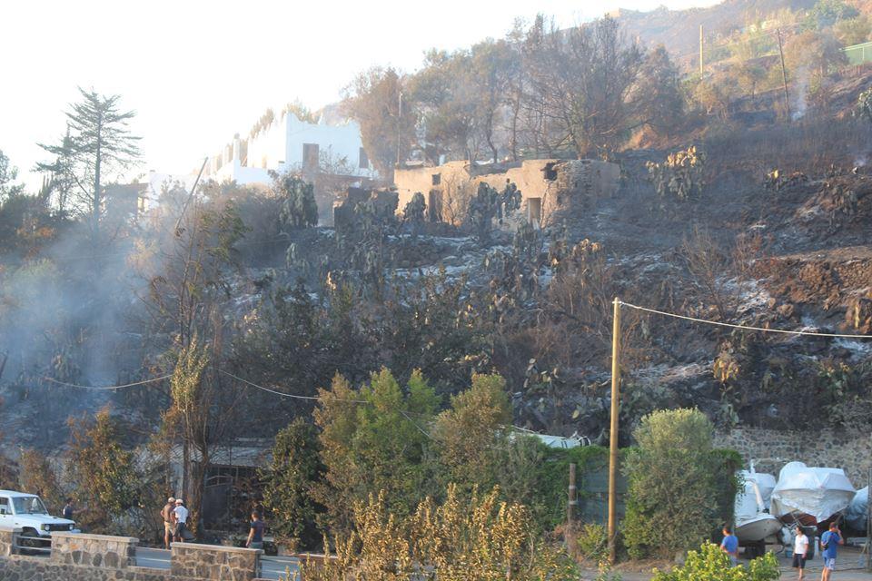 incendio quattropani 9 foto gabriele costanzo