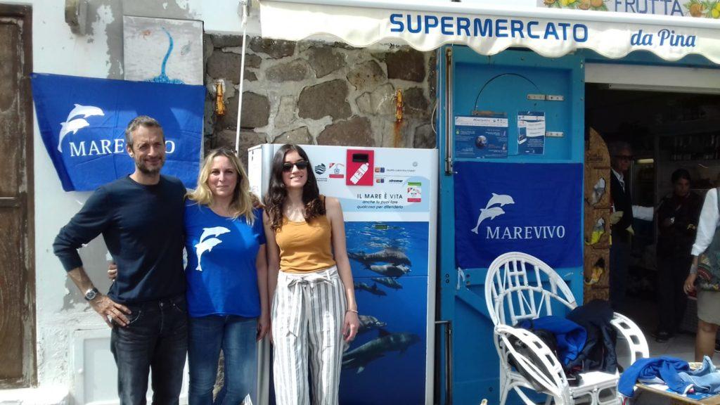 Da sinistra, Lorenzo Matacena, armatore, Laura Gentile, responsabile campagne Marevivo, Ambra Messina, direttrice esecutiva Aeoliani Islands Reservation Fund