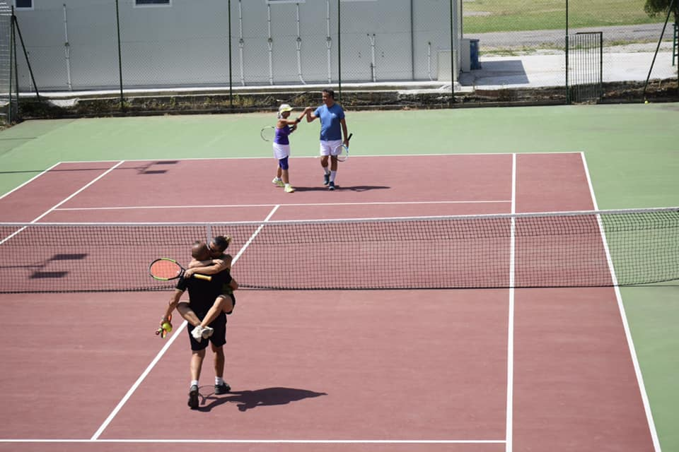 tennis deserto 0