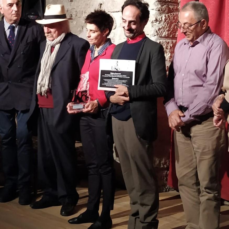 Nella foto da destra il presidente della Compagnia Angelo Biviano,l'attore Gianluca Veneroso, e la regista Tindara Falanga