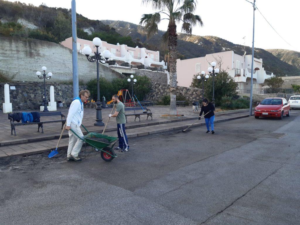 Acquacalda : volontari in azione 1
