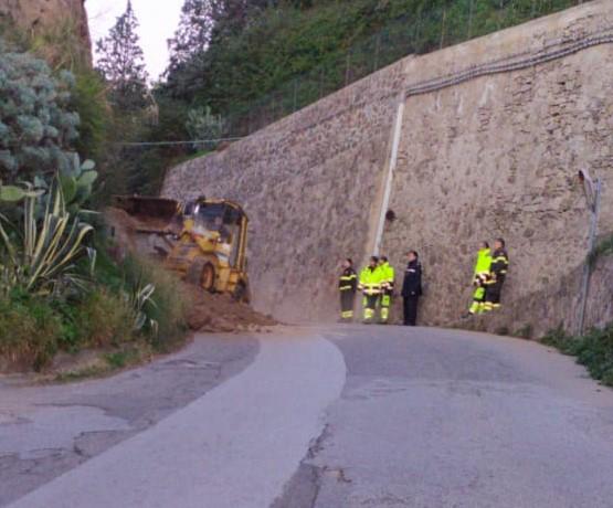 Frana via Serra, dal Comune pronto intervento