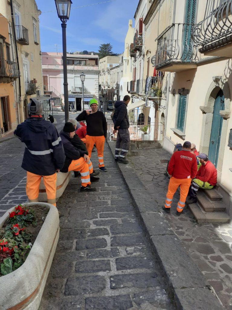 Servizio rifiuti, operatori Loveral pronti allo sciopero