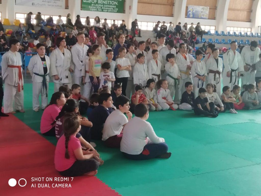 Sport e integrazione : bella giornata senza barriere al PalaBiviano