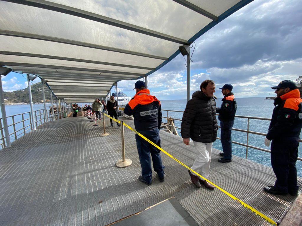 Attività informativa Guardia costiera al porto, oltre 7000 i rientri in Sicilia