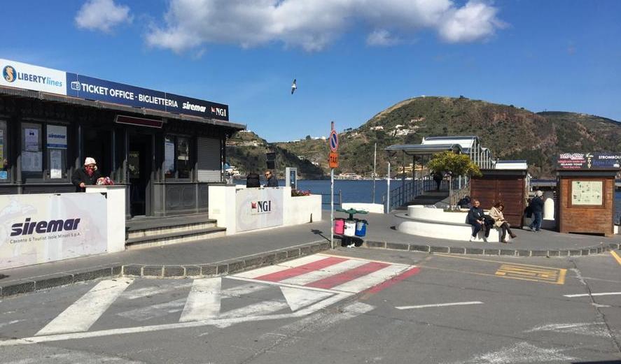 Aprire i bagni della stazione marittima