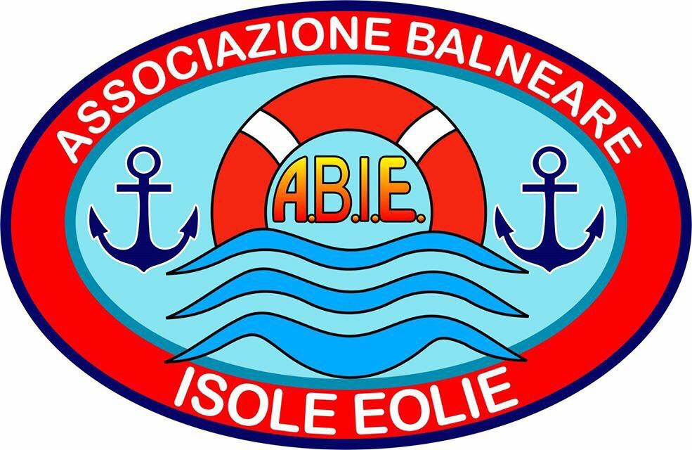 """Assobalneari Eolie: """"bandiera blu"""" grazie ai nostri servizi"""