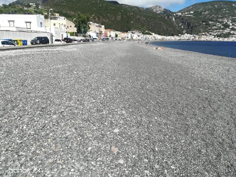 Pulizia spiagge : ci pensa la Loveral, ripulita anche Marina Lunga
