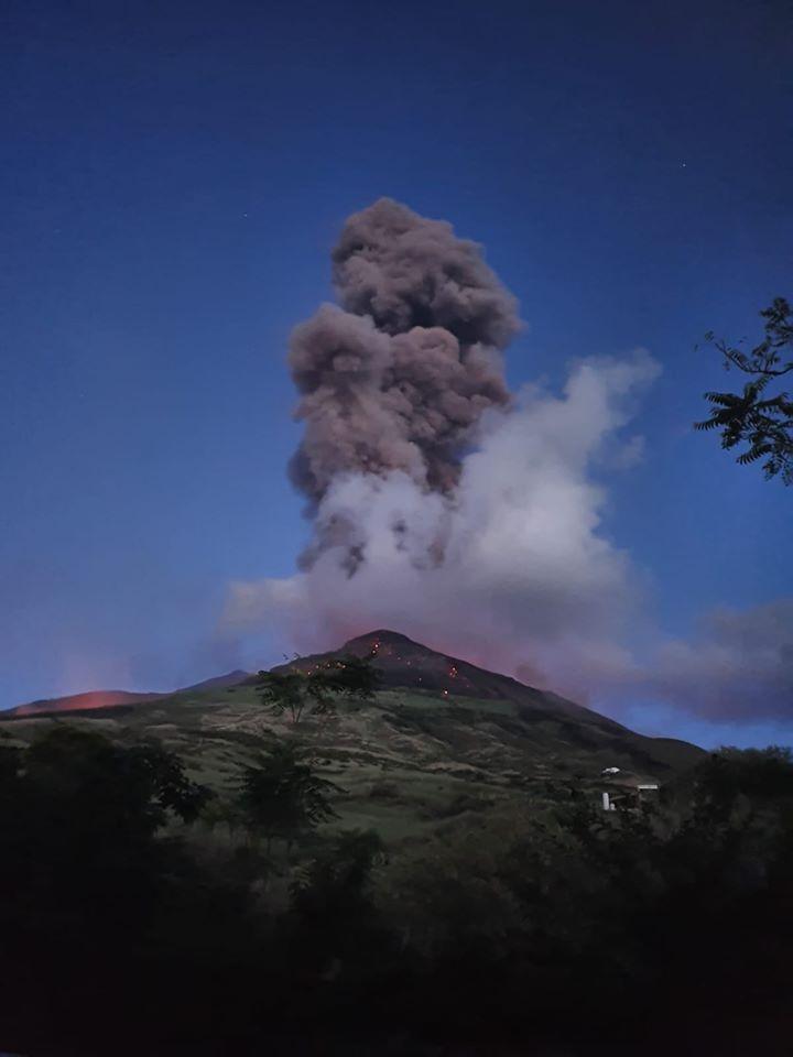 Stromboli, forti esplosioni del vulcano