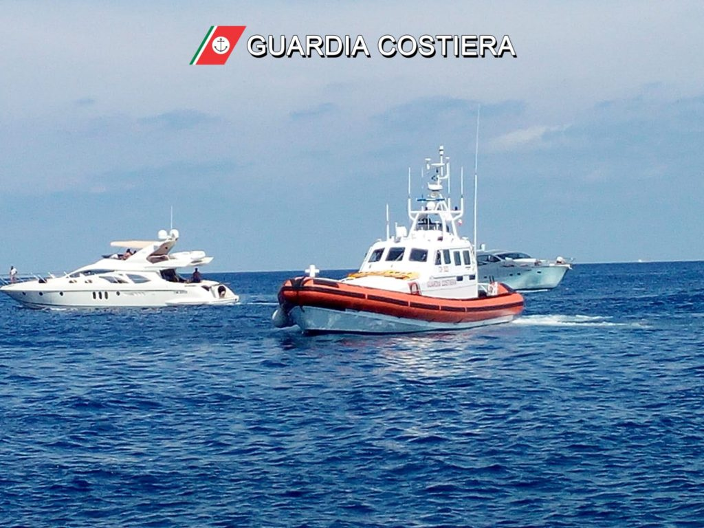 Stromboli, soccorso bambino a bordo di una barca a vela