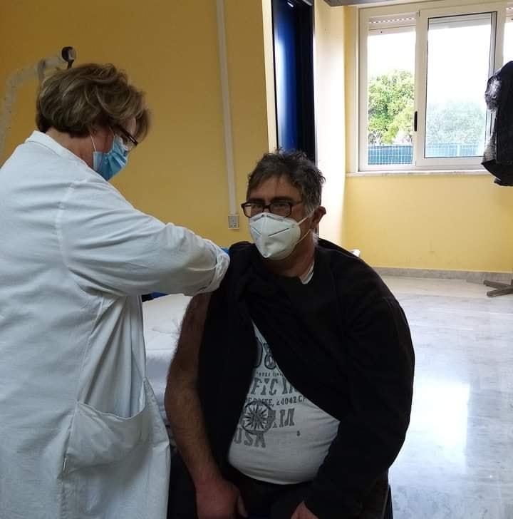 Ospedale di Lipari : vaccinato il personale