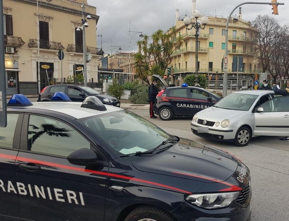 """Messina, """"positivo"""" al COVID in giro per la città: denunciato dai carabinieri"""
