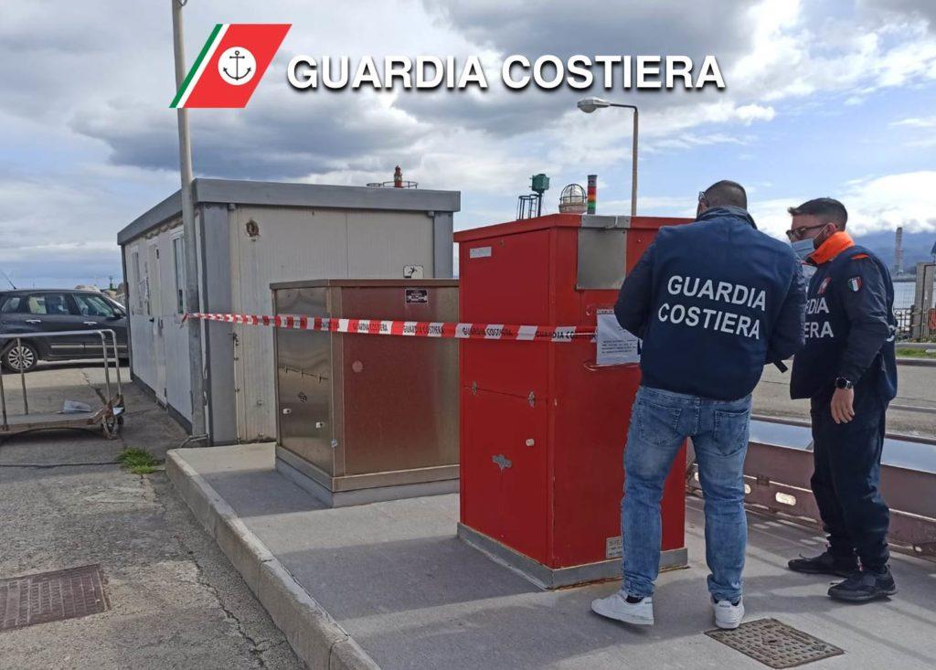 Milazzo, sequestrato impianto erogazione carburanti all'interno del porto