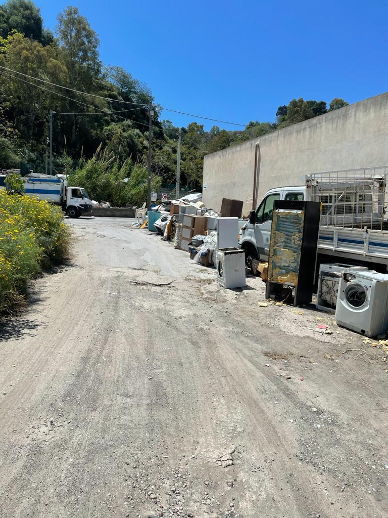 Canneto dentro, Mimmo Fonti: cimitero abbandonato e area esterna depositi rifiuti