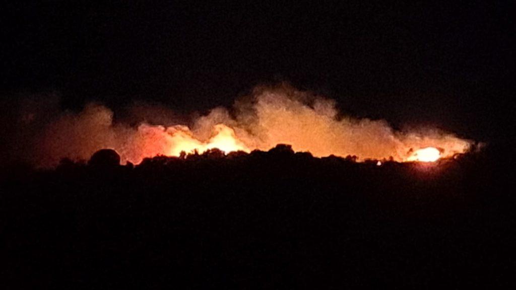 Pianoconte, notte di fuoco : incendio a Cicirata 1