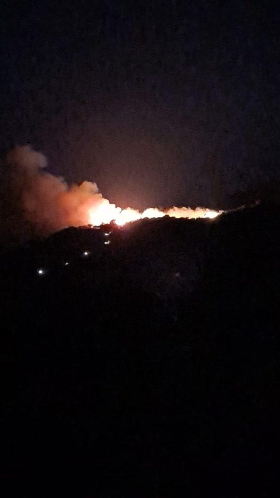 Pianoconte, notte di fuoco : incendio a Cicirata
