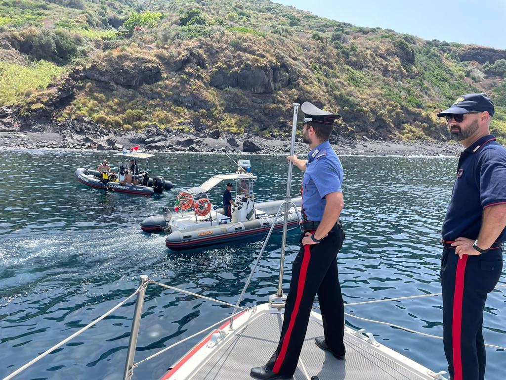 Stromboli : Carabinieri scoprono cartucce a 10 metri di profondità 1
