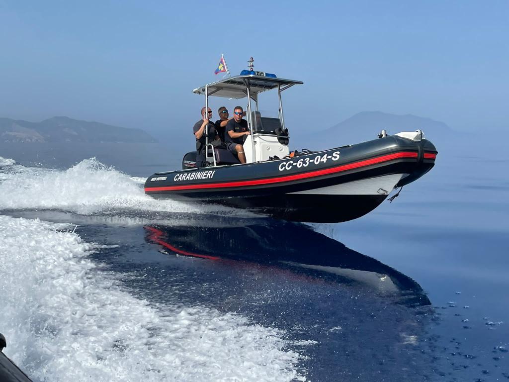 Stromboli : Carabinieri scoprono cartucce a 10 metri di profondità