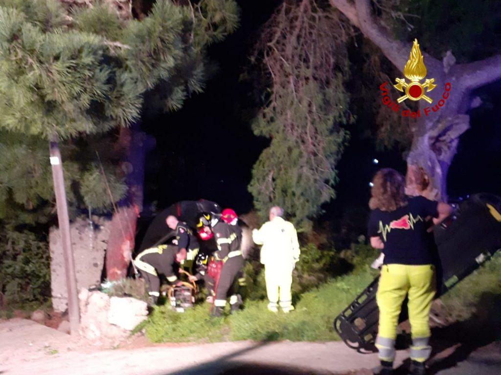 Tragedia all'alba, incidente stradale a Quattropani : muore una ragazza 2